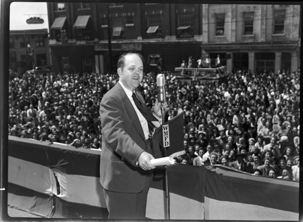 Ted Malone doing his radio broadcast before a crowd at the Wilmington Azalea Festival, circa late 1940s-early 1950s