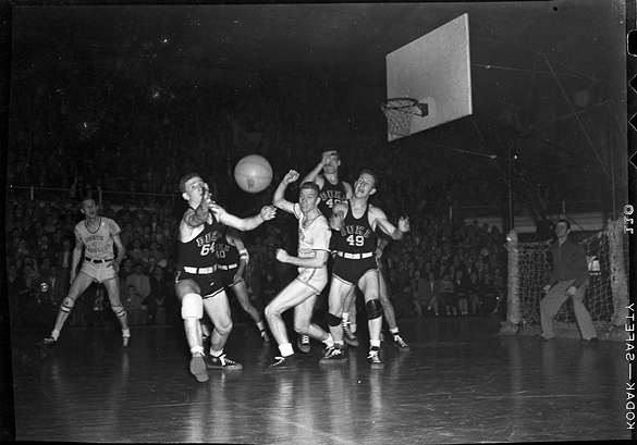 UNC versus Duke basketball game, undated