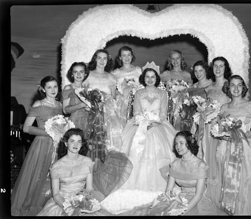 1949 Queen of the North Carolina Azalea Festival, actress Martha Hyer, with her court.