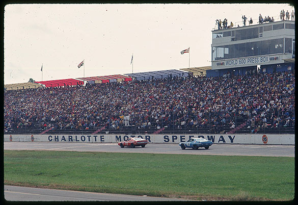 1971 National 500 at Charlotte Motor Speedway; Car #71 (K & K Insurance Dodge) driven by Bobby Isaac and Car #43 (Petty Enterprises Plymouth) driven by Richard Petty.