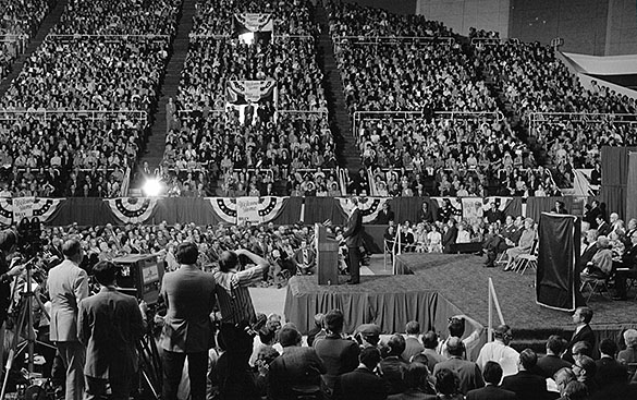 "Billy Graham speaking during ""Billy Graham Day"" in Charlotte, North Carolina, 15 October 1971."