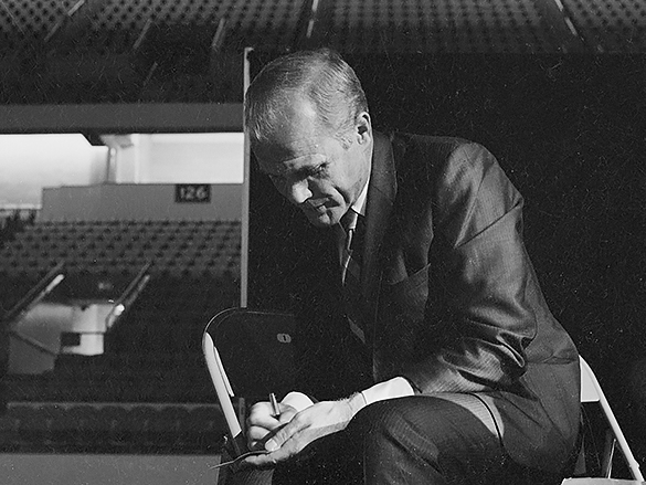 John H. Glenn Jr., Greensboro Coliseum, 12 October 1971. Photograph by Hugh Morton, cropped by the author.)