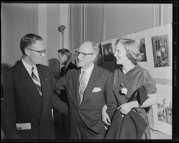 Hugh Morton with Kay and Georgia Kyser