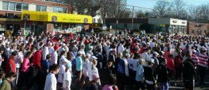 Crowds near starting line