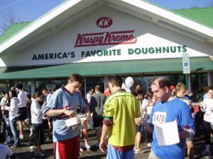 Runners eating donuts