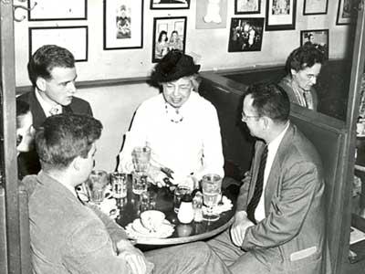 Eleanor_Roosevelt_at_Danzig