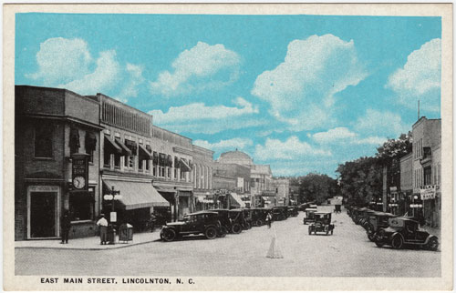 Postcard of downtown Lincolnton with Belk store