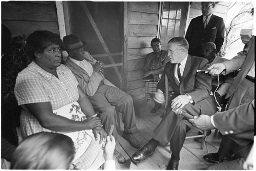 Don Sturkey photo of George Romney visit with Chandler family - uncropped
