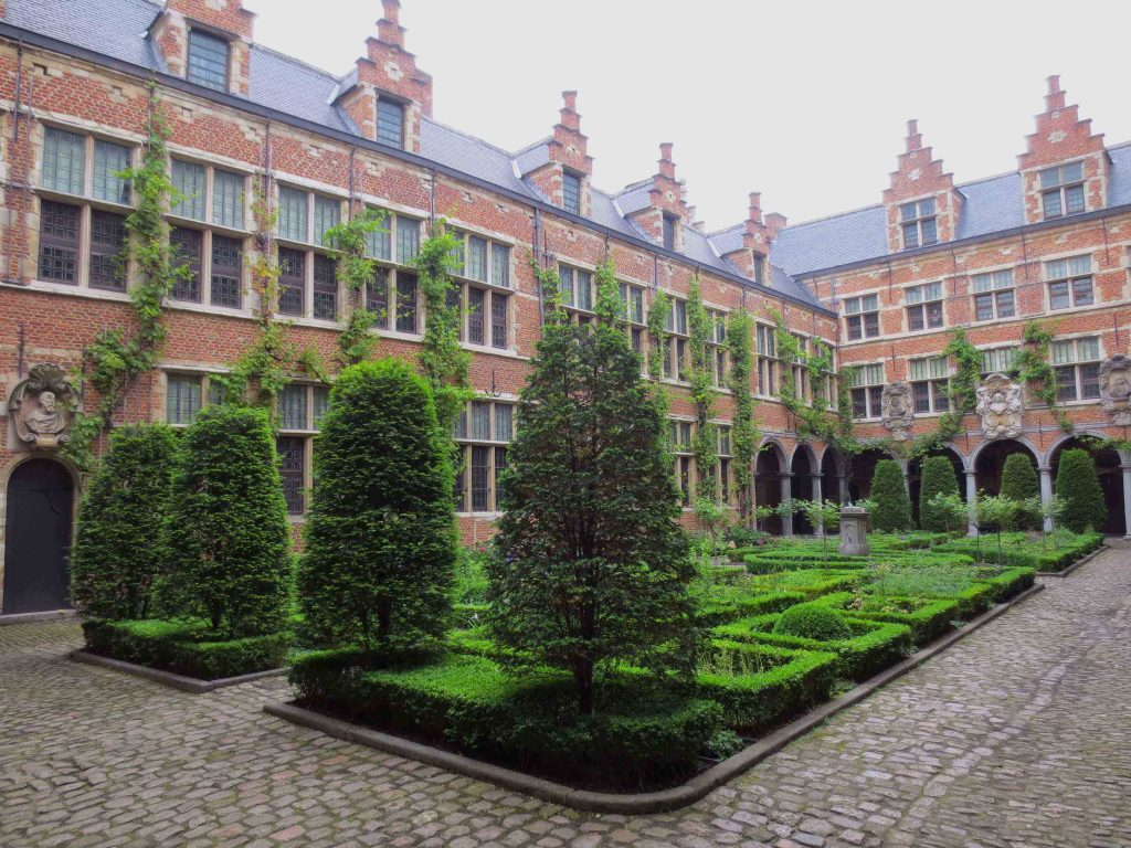 Courtyard of the Plantin-Moretus Museum / Photo by Daphne Bissette
