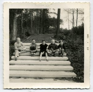 Taylor kids in Chapel Hill, December 1957: (l to r): Alex, James, Kate, Liv, Hugh