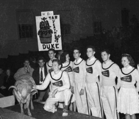 UNC cheerleaders with Ramses before the Duke game