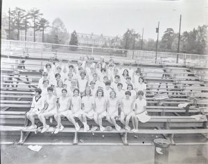 group photo of women's tennis
